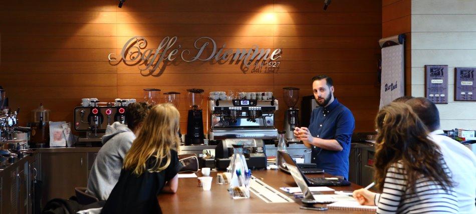 Wenn einer eine Reise tut… Kaffeepause bei Caffè Diemme