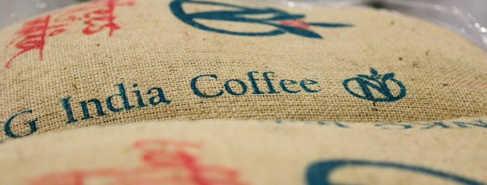 Rohkaffeesäcke im Lager von Caffe Diemme