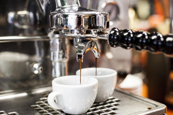 Faema E61 - Verkostung Beans Kaffeespezialitäten