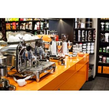 Beans Kaffeespezialitäten 1030 Wien FAEMA E61 Espressomaschine